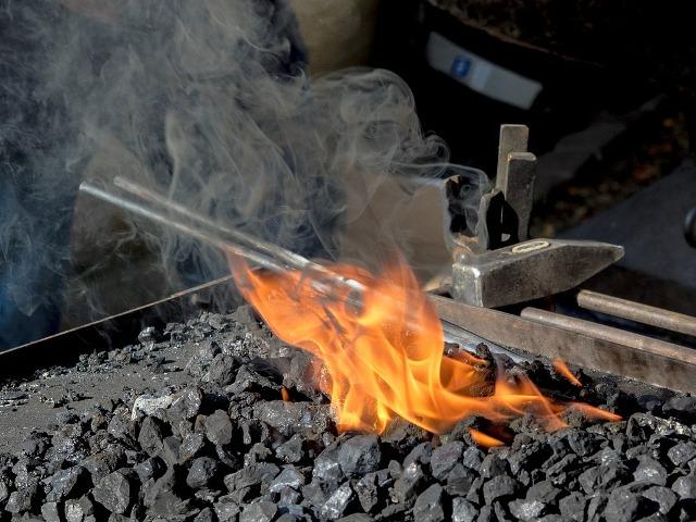 Forjado a fuego tradicional.